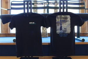 Blue chair image t-shirt